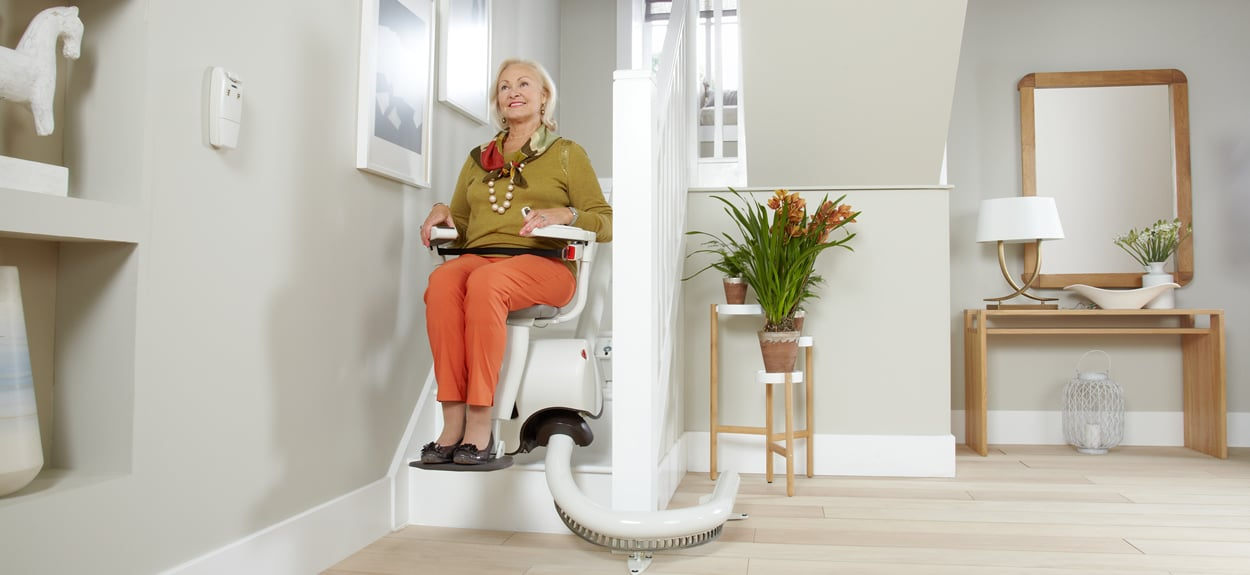 Kudos_curved_stairlift
